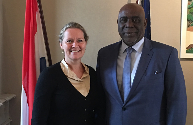 Wereldstage bezoekt het Curaçaohuis